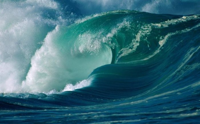 thumb2-ocean-wave-a-huge-wave-big-wave-storm-tsunami